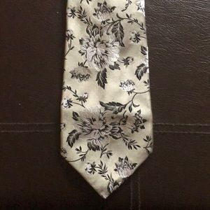 Beautiful Duchamp silver and black flowered tie
